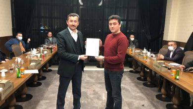 Photo of Kırıkkale Memur-Sen ve Eğitim Bir Sen Başarılı Personellere Başarı Belgesi Verdi